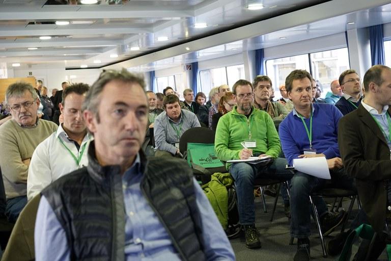 Teilnehmer im Vortragsraum